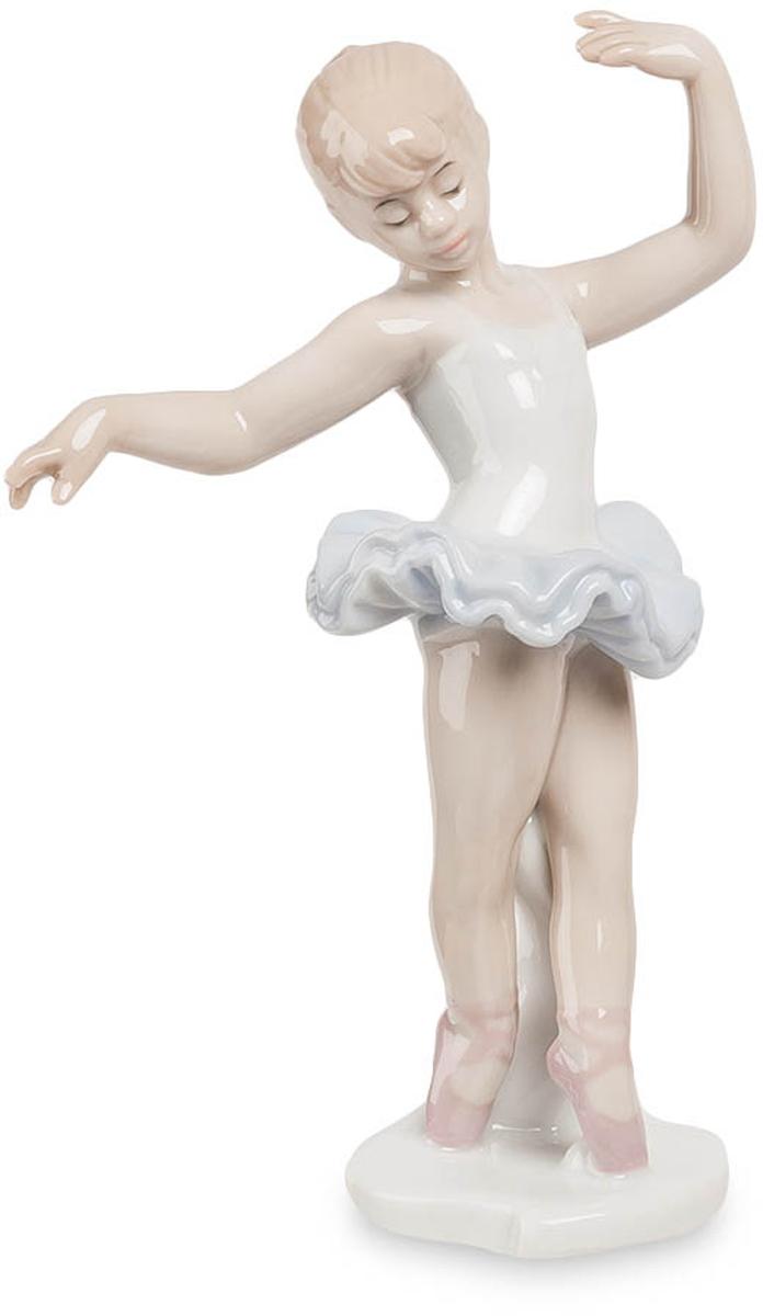 Фигурка Pavone Балерина. JP-27/21THN132NФигурка Балеринвы высотой 15 см.Танцевать — значит быть вне самого себя, больше, сильнее, красивее.