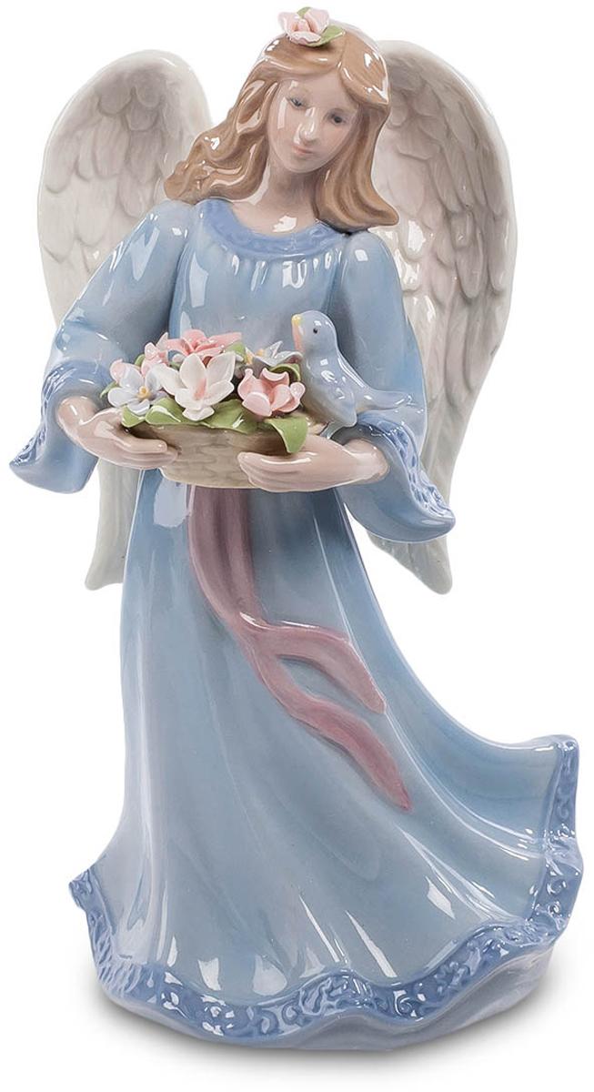 Статуэтка музыкальная Pavone Светлый Ангел. CMS-24/ 4CMS-24/ 4Фарфоровая музыкальная статуэтка Светлый ангел прекрасно украсит любой интерьер.Эта девушка, которая держит корзинку с цветами, - настоящий ангел. За спиной аккуратно сложены два больших белых крыла. Задача ангела-хранителя - обеспечивать в семье покой, мир и любовь. Вот и звучит ангельская музыка, проникая своими неслышными звуками в каждое сердце, успокаивая и умиротворяя.Размер: 12 см х 10 см х 20 см.