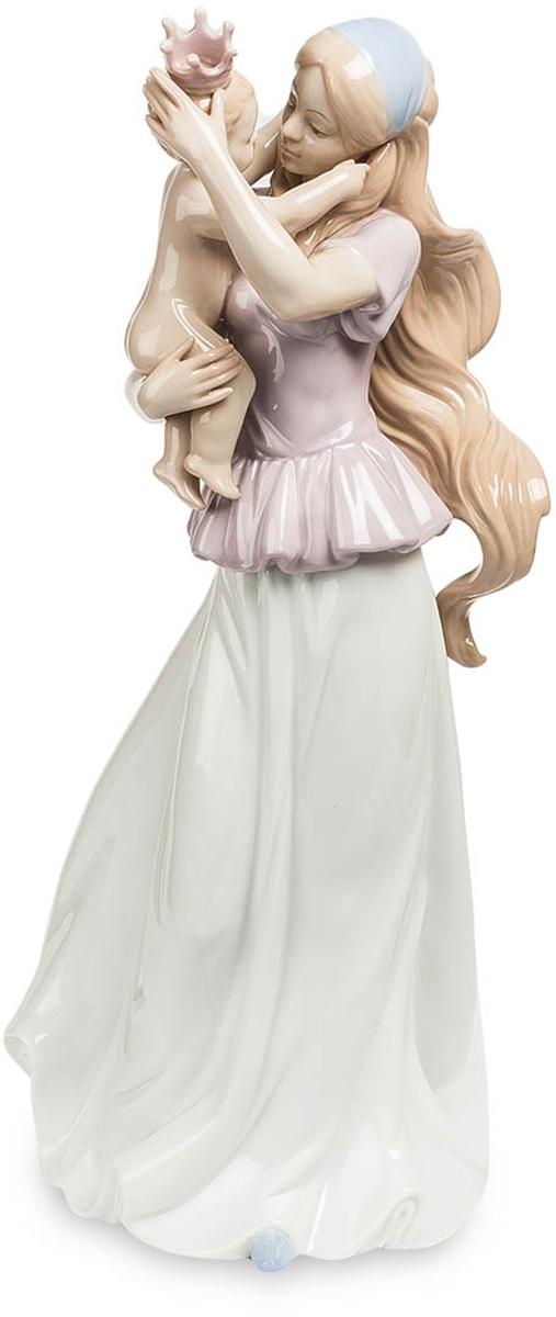 Статуэтка Pavone Моя маленькая принцесса. JP-15/40FS-91909Статуэтка Девушки с ребёнком высотой 39 см.Даже если он и не родился в королевской семье, для мамы он всегда будет принцом!