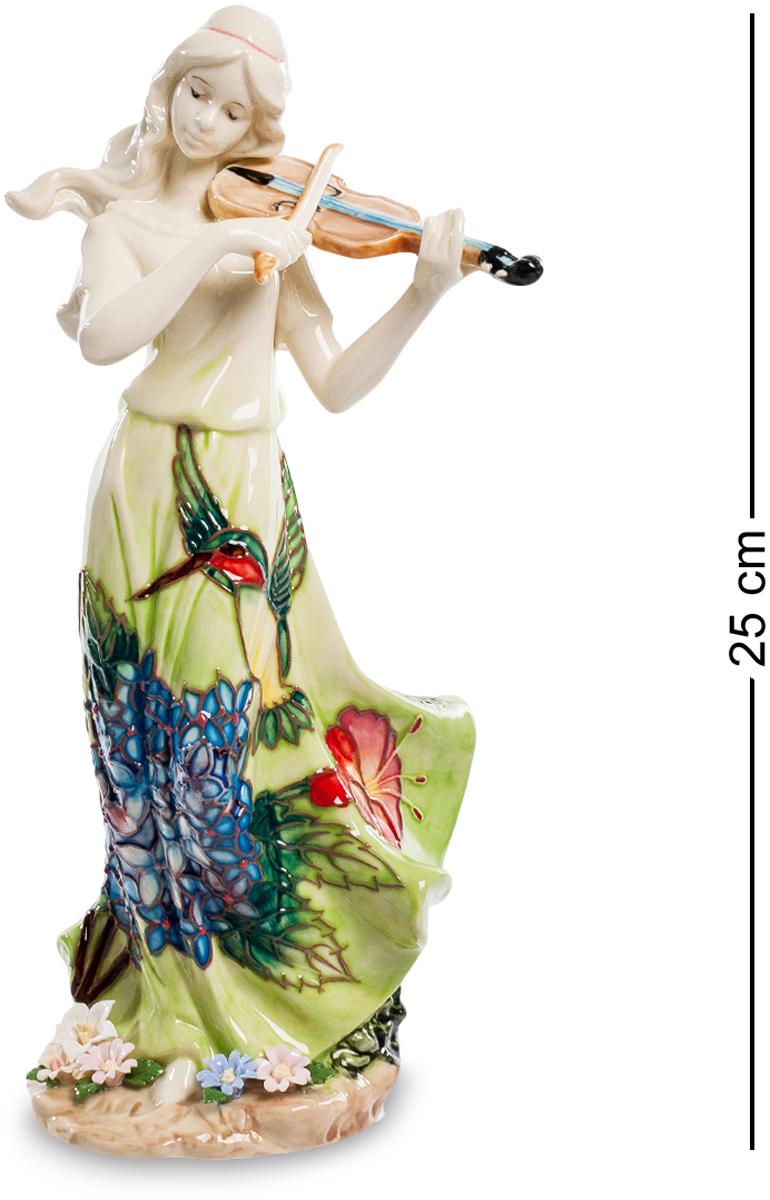 Статуэтка девушка Pavone Волшебная скрипка. JP-37/ 7FS-80418Статуэтка Девушки высотой 25 см.Любимый инструмент Шерлока Холмса помогал великому детективу сосредоточиться и решать сложнейшие задачи. А нам, обычным людям, остаётся лишь наслаждаться сладостным звучанием этого инструмента!Статуэтка девушки Волшебная скрипка очаровывает и восхищает покупателей с первых мгновений! Посмотрите, сколько нежности, грации и утонченности вложили дизайнеры в это изделие! Удивительно красивый наряд девушки приковывает взгляды и переносит нас в мир тепла, гармонии и ласковых солнечных лучей. Обратите внимание на цветы у ног скрипачки – они, будто бы, распустились от прекрасной игры и впитывают в себя волшебные звуки восхитительной мелодии. Ласковый ветерок развевает волосы и платье прекрасной героини, подчеркивая воздушность и легкость фигурки. Вне всякого сомнения, перед нами истинный шедевр, который станет украшением вашего дома.