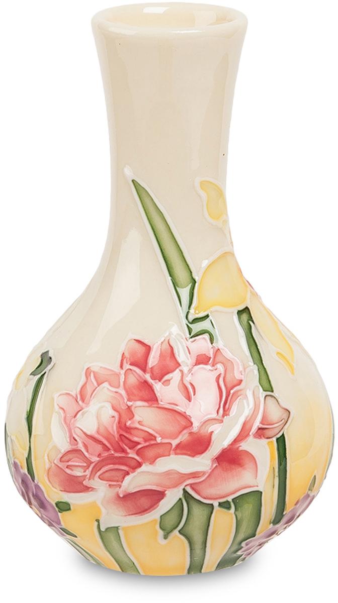 Вазочка Pavone. JP-97/37FS-91909Ваза высотой 10 см.В эту маленькую красивую вазочку может поместиться только тоненький букетик низкорослых цветов – подснежников, мелких гвоздик, лесных тюльпанов. Вазочка сама по себе украшена бело-розовыми роскошными цветами, как бы вырастающими из ее дна. Поэтому она и сама по себе красиво выглядит, а уж если ее нарисованные цветы получают гармоничное дополнение цветами живыми, получается намного красивее. Вазочка невелика, но даже маленький цветной элемент в интерьере современной гостиной может оживить его, или дополняя классическую мебель с резьбой по дереву, или контрастируя со стилистикой хай-тек и освежая строгие геометрические формы.
