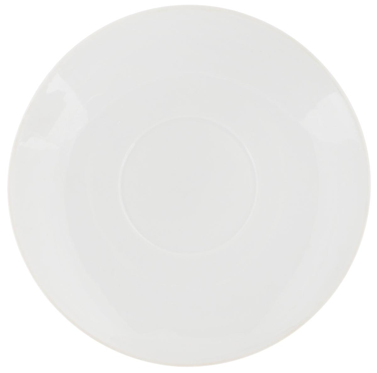 Блюдце Фарфор Вербилок, цвет: белый, диаметр 11 см54 009312Блюдце Фарфор Вербилок, изготовленная из высококачественного фарфора, имеет классическую круглую форму. Оригинальный дизайн придется по вкусу и ценителям классики, и тем, кто предпочитает утонченность. Блюдце Фарфор Вербилок идеально подойдет для сервировки стола и станет отличным подарком к любому празднику.
