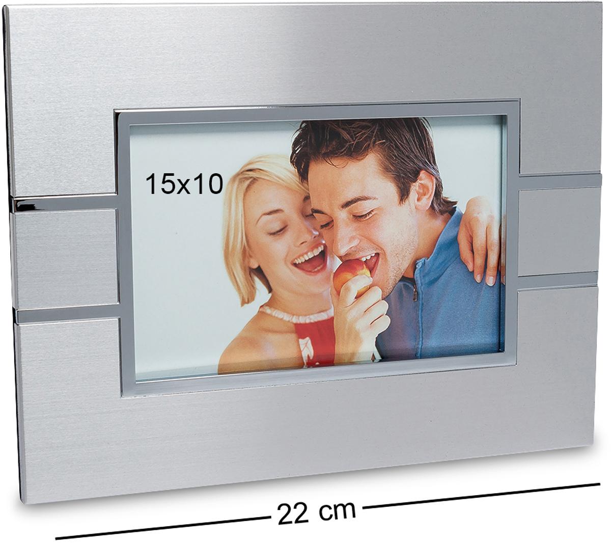 Фоторамка Bellezza Casa Яркое свидание, фото 15х10. CHK-01912723Фоторамка для фотографий 15х10 смЯркое свидание должно запомниться на всю жизнь. А помогут вам в этом множество удивительных, красочных фотографий, размещённых в рамочки. Рамка для фото Яркое свидание не просто поможет красиво оформить памятное фото, но и станет украшением стены или полки вашей комнаты. Фоторамочка настолько шикарна и изыскана, в ней привлекает исключительно все. Изготовлена из металла и пластика.