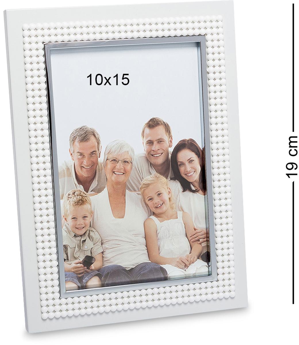 Фоторамка Bellezza Casa Яркое свидание, фото 10х15. CHK-074RG-D31SФоторамка для фотографий 10х15 см.Металлическая рамочка для фото Яркое свидание украсит и сделает особенной даже самое простое фото. Хотя, как фото семьи, с друзьями может быть обычным. Но рамка сделает фото еще более особенным и красочным. В такой рамочке не стыдно фотокарточки поставить и на полку, и повесить на стену. Может показаться, что в ней нет ничего особенного, она не переполнена деталями, но это и делает ее до такой степени оригинальной. Мелкие бусинки по ободку рамочки украшают ее, но не перегружают, и в этом вся ее прелесть.