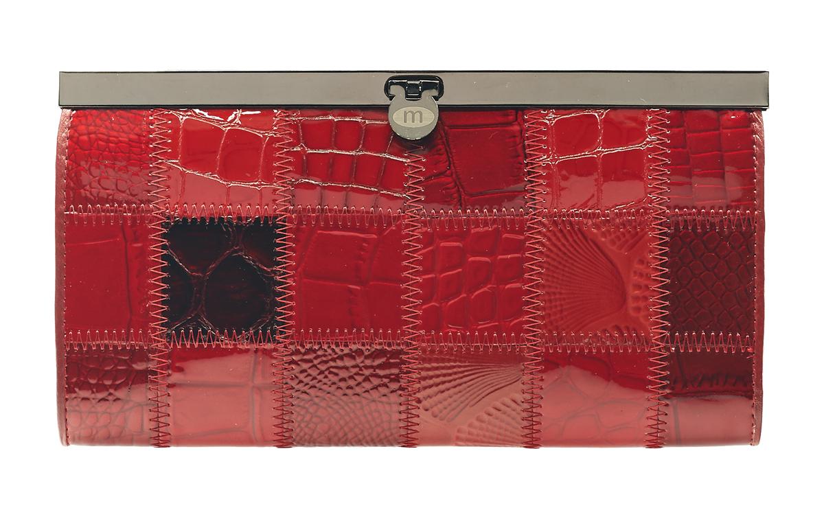 Кошелек Malgrado, цвет: красный. 73003A-4441-022_516Стильный кошелек Malgrado выполнен из лаковой натуральной кожи красного цвета с декоративным тиснением. Внутри содержит два горизонтальных кармана из кожи для бумаг, четыре кармашка для кредитных карт, два кармашка со вставками из прозрачного пластика, отделение на молнии для мелочи и четыре отделения для купюр. Кошелек упакован в подарочную металлическую коробку с логотипом фирмы. Такой кошелек станет замечательным подарком человеку, ценящему качественные и практичные вещи. Характеристики:Материал: натуральная кожа, текстиль, металл. Размер кошелька: 19 см х 10 см х 2 см.Размер упаковки: 23 см х 13 см х 4,5 см. Артикул: 73003A-490.