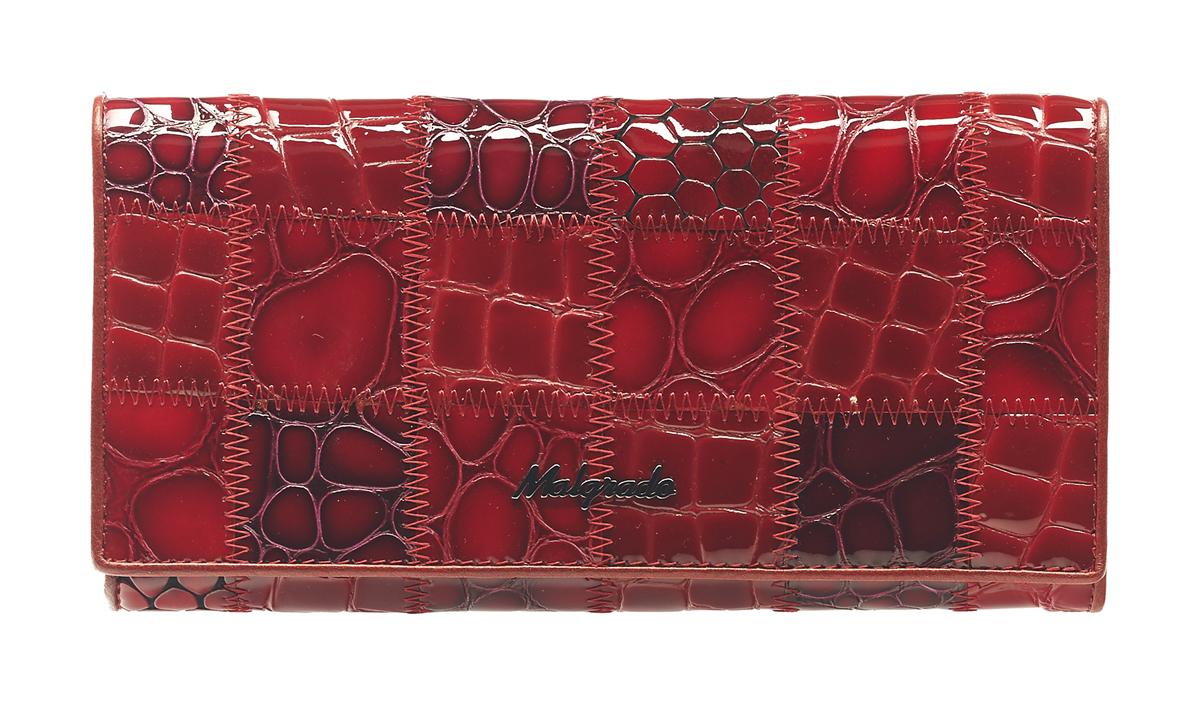 Кошелек женский Malgrado, цвет: красный. 72058-3A-444W16-12123_811Женский кошелек Malgrado изготовлен из натуральной кожи с декоративным комбинированным тиснением под рептилию. Купюры вмещаются в полную длину. Закрывается кошелек при помощи клапана на кнопку. Внутри расположено три отделения для купюр, два потайных отделений для бумаг, семь кармашков для пластиковых карт и визиток, один кармашек на молнии, два отделения для мелочи, который закрывается на рамочный замок, а также прозрачное окошко для фотографии. С задней стороны также имеется открытое отделение для мелочи или бумаг.Такой кошелек стильно дополнит ваш образ и станет незаменимым аксессуаром. Кошелек упакован в подарочную металлическую коробку синего цвета.