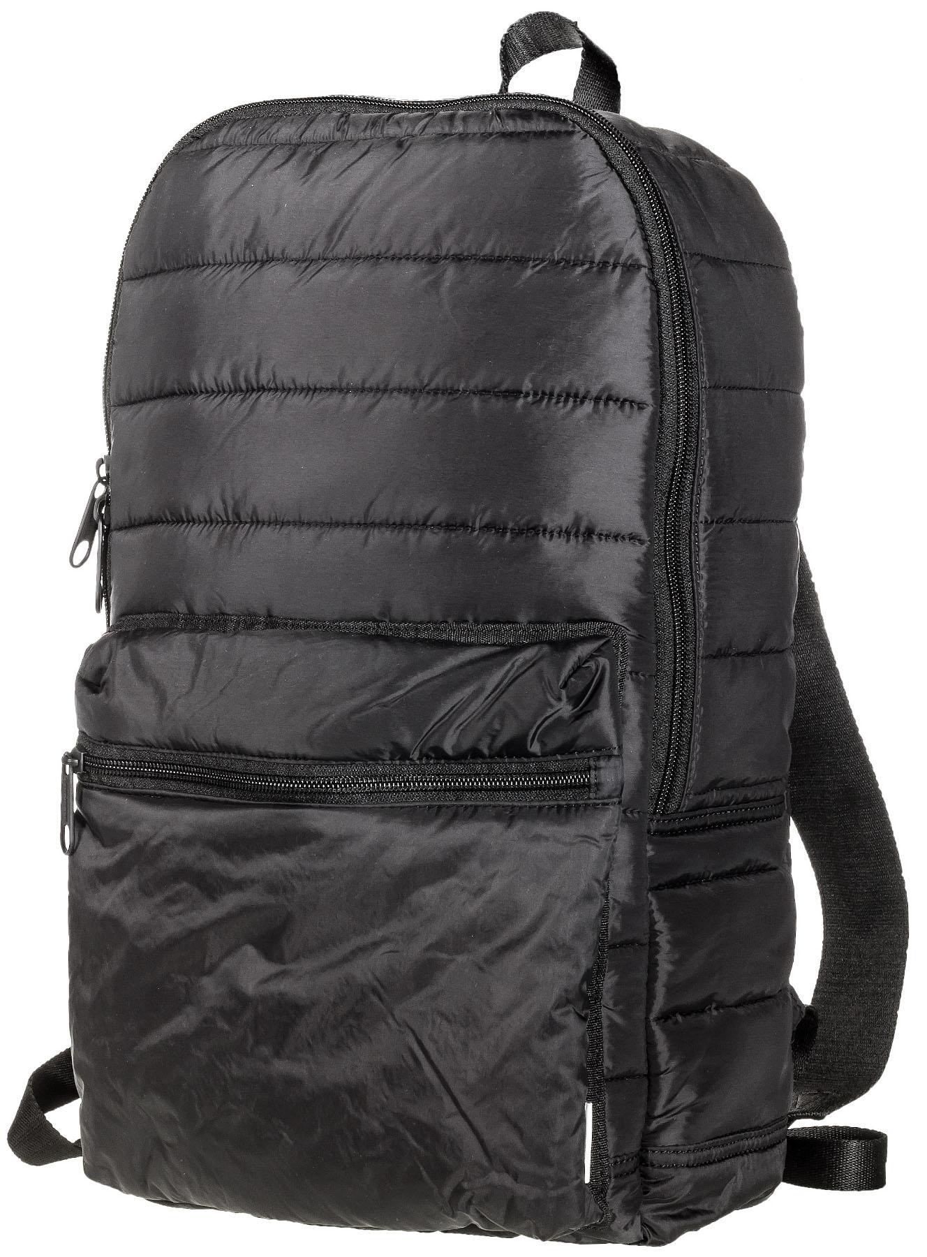 Рюкзак Converse Packable Backpack, цвет: черный. 10001331001S76245Рюкзак Converse Packable Backpack выполнен из стеганого текстиля. Модель с одним отделением. Спереди объемный карман на молнии. У рюкзака регулируемые по длине плечевые лямки и петля для подвешивания.