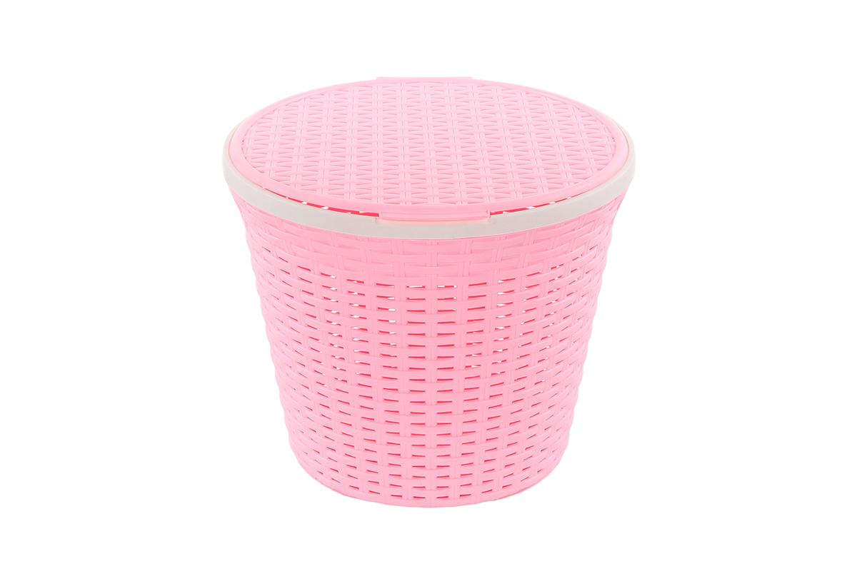 Корзина для хранения Violet Ротанг, с крышкой, цвет: розовый, 33 х 33 х 27 см391602Круглая корзина Violet Ротанг с крышкой, изготовленная из полипропилена, имитирующая плетение ротанг, предназначена для хранения мелочей в ванной, на кухне, даче или гараже. Позволяет хранить мелкие вещи, исключая возможность их потери. Это легкая корзина со сплошным дном, жесткой кромкой, с небольшими отверстиями на стенках.