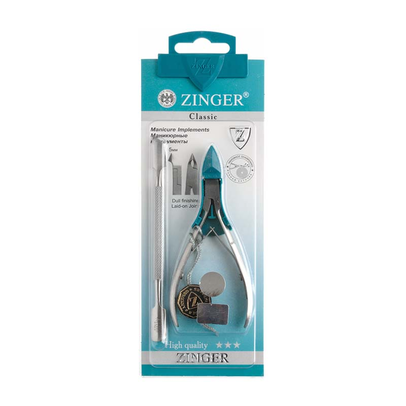 Zinger Набор маникюрных инструментов zo-SIS-12-DFA-8115-1 White/greyНабор маникюрных инструментов состоит из кусачек и шабера. Задача шабера — инструмента для отодвигания кутикулы и удаления птеригия (тонкой кожицы, которая нарастает на ногтевой пластине), это дать возможность питательным веществам проникнуть глубже в корень, не дать образовываться заусенцам и сделать руки красивыми и ухоженными.