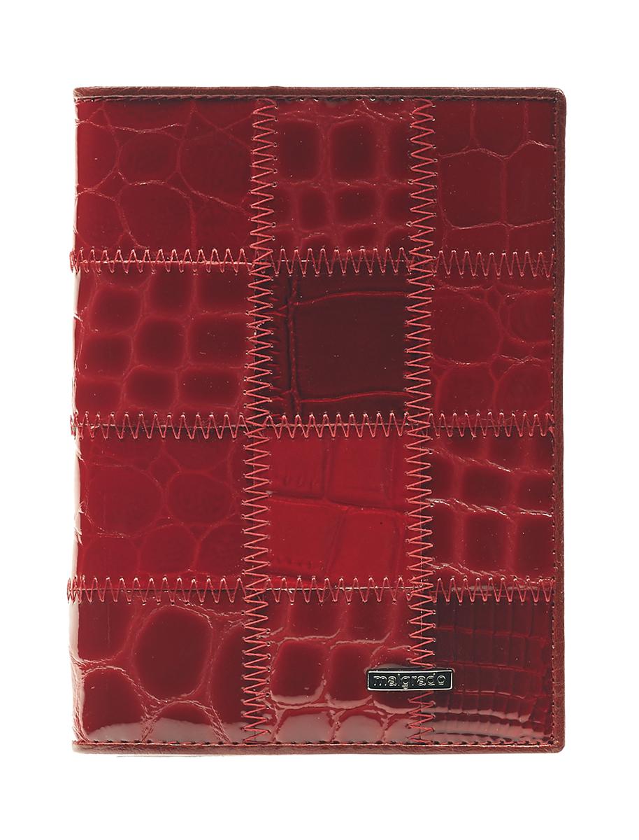 Обложка для паспорта Malgrado, цвет: красный. 54019-1A-444A54019-1A-444AСтильная обложка для паспорта Malgrado изготовлена из натуральной кожи красного цвета с декоративным тиснением под разные структуры и оформлена декоративными стежками. Внутри содержит прозрачное пластиковое окно, съемный прозрачный вкладыш для полного комплекта автодокументов, пять отделений для кредитных и дисконтных карт. Обложка упакована в подарочную картонную коробку с логотипом фирмы. Такая обложка станет замечательным подарком человеку, ценящему качественные и практичные вещи. Характеристики:Материал: натуральная кожа, пластик. Размер обложки: 13,5 см х 9,5 см х 1,5 см. Цвет: красный.Размер упаковки:15,5 см х 11,5 см х 3,5 см. Артикул: 54019-1A-444A.