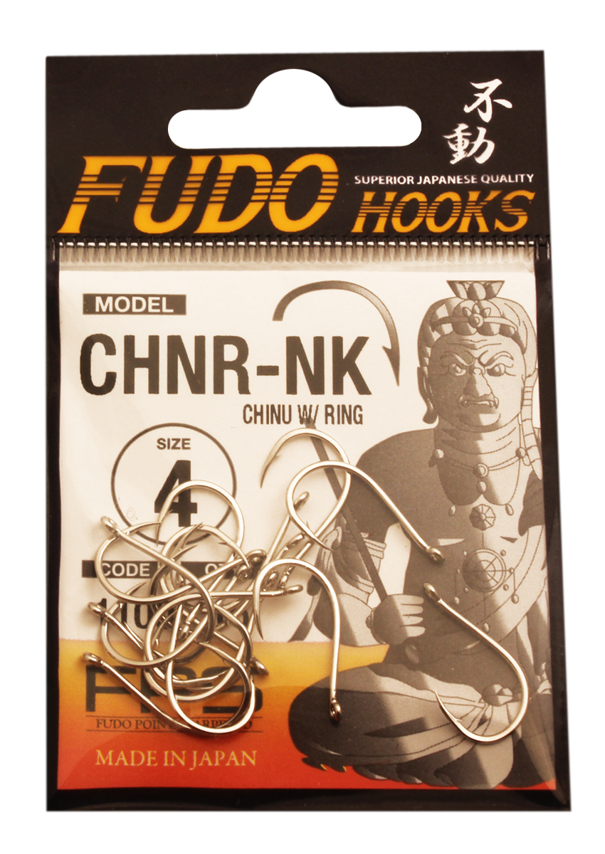 Крючок Fudo Chinu W/Ring, №4 NK (1100), 16 шт48301Рыболовные крючки FUDO, производства Японии, являют собой сочетание лучших материалов , лучших технологий и наилучших человеческих навыков. Основными характеристиками крючков являются : 1 ) оптимальная форма -с точки зрения максимального улова. 2) Экстремальный заточка крюка , которая сохраняется при длительной ловле. 3) Отличная эластичность, что позволяет им противостоять деформации. 4) Общая коррозионная стойкость в процессе производства , благодаря нескольким патентам в области металлургии и производства техники. Сталь с управляемым содержания углерода -это те материалы, которые применяются в производстве крючков. Эти материалы, в виде калиброванной проволоки ,изготавливаются исключительно для инжиниринговой службы FUDO . После чего, крючок подвергается двум различным методом для заточки : механическим и химическим. Во время заточки, уровень остроты контролируется онлайн , что в итоге приводит к идеальному повторению всей серии. Прочность крючка реализуется через печи , где система компьютерной помощи регулирования температуры , позволяет достичь точности в производстве в 0,01 градуса по Цельсию, и времени обработки с точностью 0, 001 секунды. В результате крючки FUDO получаются абсолютно закаленными , что позволяет добиться отличного результата по твердости и эластичность, а также все модели крючков обладают анти коррозионным покрытием. Место крепления крюка с леской, выполненно в виде кольца. С изогнутым жалом.