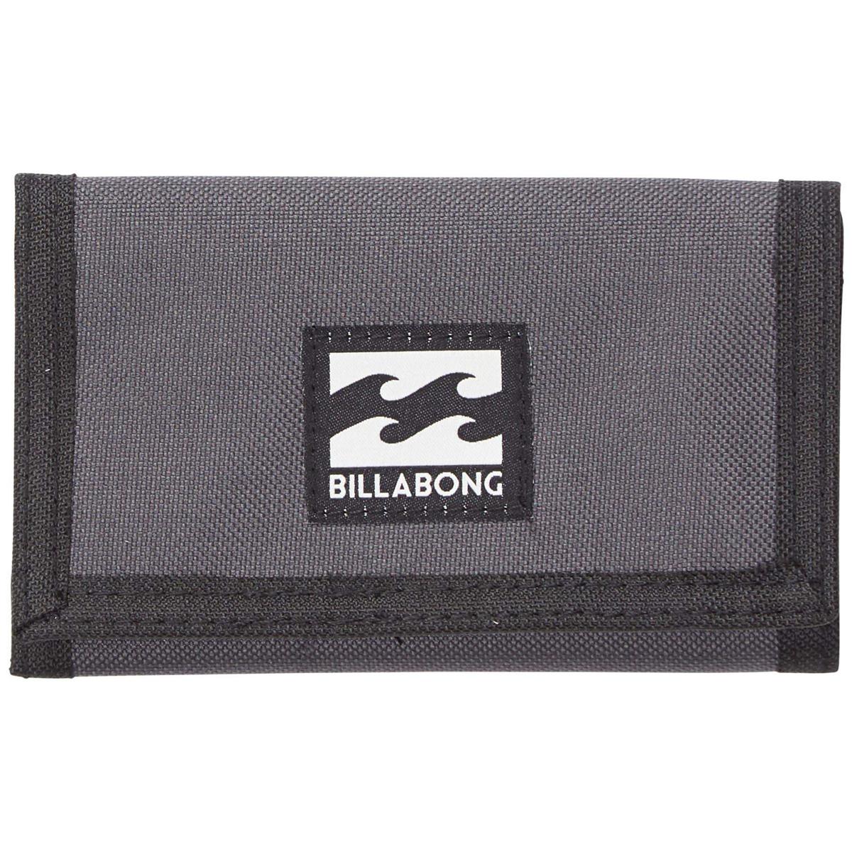 Кошелек дорожный Billabong Atom Wallet, цвет: темно-серый , 1 л. Z5WL02RivaCase 8460 blackКлассический тряпичный кошелек с новыми расцветками от Billabong.