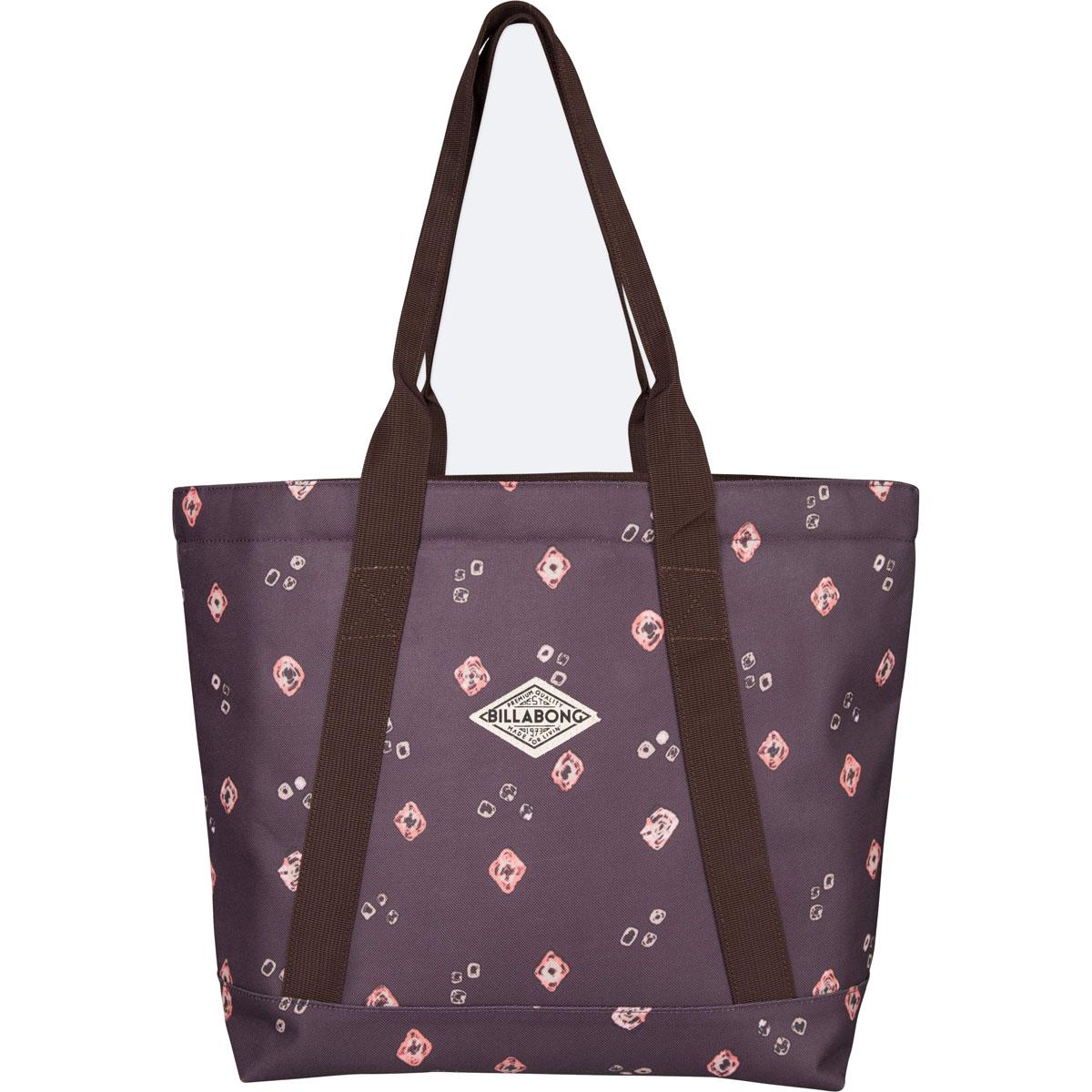 Сумка женская Billabong Erasun, цвет: светло-бордовый , 20 лL39845800Вместительная сумка Billabong Erasun, обеспечивающая такую же вместимость, что и любимая пляжная сумка, но предлагающая городской функционал. Застежка на молнии сохранит все ваши вещи в целости, а внутренний карман и отсек для ноутбука позволят правильно организовать пространство для переноски вещей.