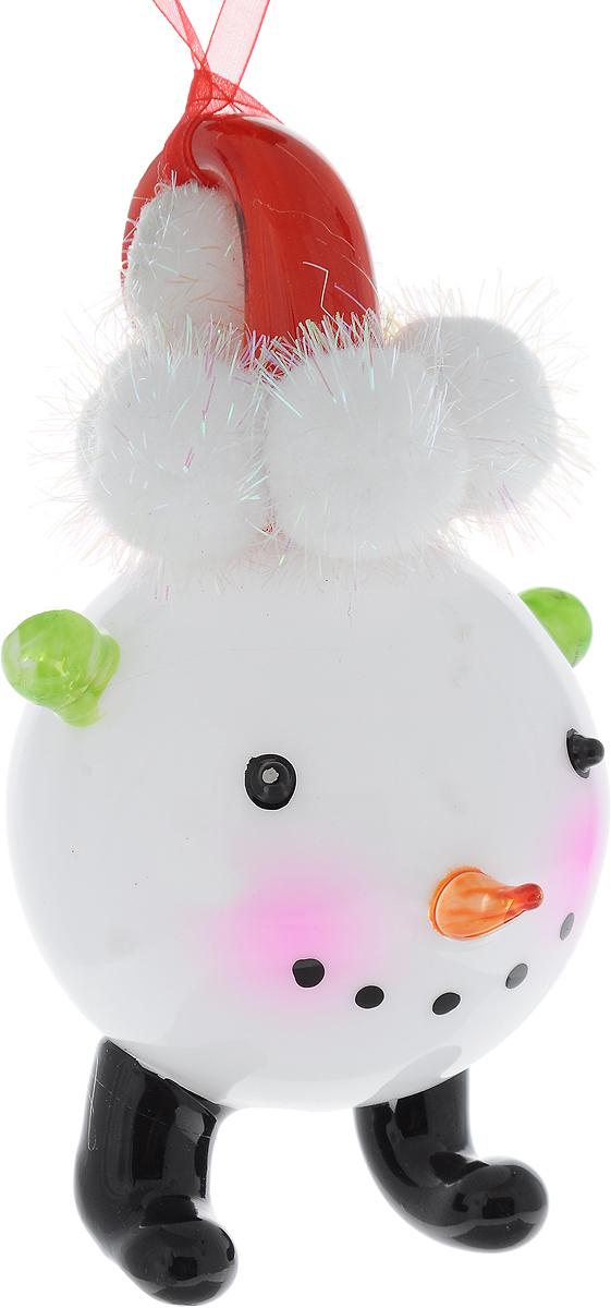 Украшение новогоднее подвесное Winter Wings Снеговичок, высота 16 см09840-20.000.00Новогоднее подвесное украшение Winter Wings Снеговичок выполнено из стекла в виде фигурки снеговика. С помощью специальной петельки украшение можно повесить в любом понравившемся вам месте. Но, конечно, удачнее всего оно будет смотреться на праздничной елке.Елочная игрушка - символ Нового года. Она несет в себе волшебство и красоту праздника. Создайте в своем доме атмосферу веселья и радости, украшая новогоднюю елку нарядными игрушками, которые будут из года в год накапливать теплоту воспоминаний.