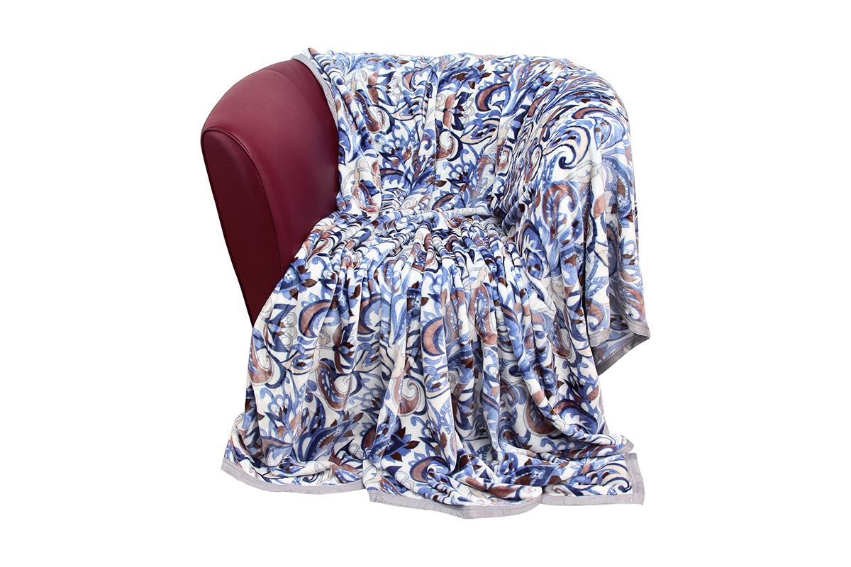 Плед EL Casa Узоры синие, 150 х 200 смES-412Уютный, легкий и прочный плед в оригинальном дизайне послужит украшением декора вашей комнаты и согреет вас и ваших близких.Устойчив к истиранию и скатыванию, не мнется, не деформируется, сохранит первоначальный вид даже при активном использовании и многочисленных стирках. Такой плед идеален в качестве подарка на любой праздник. Изделие в подарочной сумке с ручками.Плотность - 320 г/м2.