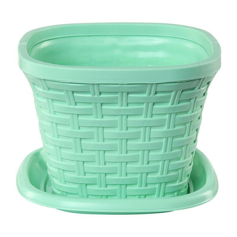 Кашпо квадратное Violet Ротанг, с поддоном, цвет: зеленый, 1,3 л531-401Квадратное кашпо, выполненное из пластика, прекрасно подойдет для выращивания трав и цветов. Имитирующее плетение из ротанга кашпо имеет поддон.Объём кашпо: 1,3 л.