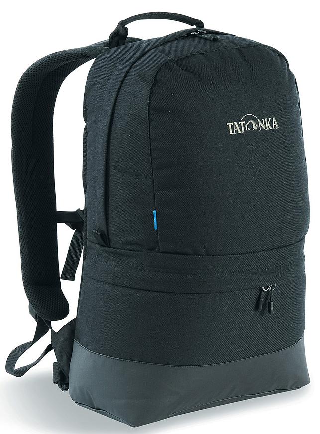 Рюкзак городской Tatonka Hiker Bag, цвет: черный, 21 л95940-905Современный городской рюкзак Tatonka Hiker Bag, выполненный в стиле ретро, оснащен системой подвески Padded Back с S-образными лямками, обтянутыми сеточкой AirMesh и дном из прочного материала Cordura. Внутри изделия имеется съемное промежуточное дно, позволяющее разделить рюкзак на два отделения. Кожаные аппликации придают рюкзаку неповторимый облик.Особенности рюкзака:- Подвеска Padded Back.- S-образные плечевые ремни, обтянутые сеточкой AirMesh.- Съемное промежуточное дно.- Кожаные аппликации.- Дно из прочного материала Cordura 700 Den.- Съемный поясной ремень.