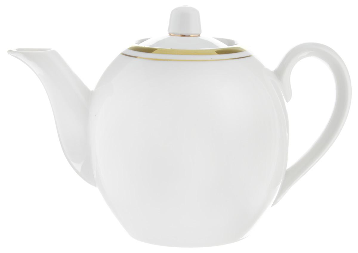 Чайник заварочный Фарфор Вербилок, 800 млFS-91909Для того чтобы насладиться чайной церемонией, требуется не только знание ритуала и чай высшего сорта. Необходим прекрасный заварочный чайник, который может быть как центральной фигурой фарфорового сервиза, так и самостоятельным, отдельным предметом. От его формы и качества фарфора зависит аромат и вкус приготовленного напитка. Именно такие предметы формируют в доме атмосферу истинного уюта, тепла и гармонии. С заварочным чайником Фарфор Вербилок вы сможете ощутить более богатый, ароматный вкус чая или кофе. Изделие выполнено из высококачественного фарфора и украшено золотистой каймой.Диаметр чайника по верхнему краю: 6 см. Диаметр основания чайника: 7,5 см. Высота чайника (без учета крышки): 11,5 см.