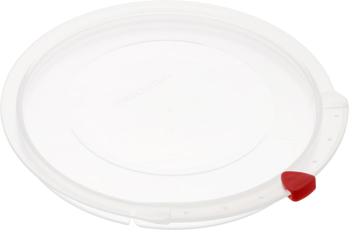 Крышка Tescoma Unicover, диаметр 16 см115510Крышка Tescoma Unicover используется при хранении еды, для закрытия высоких кастрюль, кастрюль и ковшей из нержавеющей стали. Плоская форма крышки позволяет складывать посуду в целях экономии места в холодильнике. Пища, закрытая пластиковой крышкой, не высыхает и не впитывает запахи других продуктов питания. На крышке имеется семидневный датировщик для индикации с первого дня хранения. Изделие выполнено из пластмассового материала, предназначенного для медицинских и фармацевтических целей. Можно мыть в посудомоечной машине.Подходит для кастрюль диаметром 16 см.Диаметр крышки (по верхнему краю): 17,5 см.