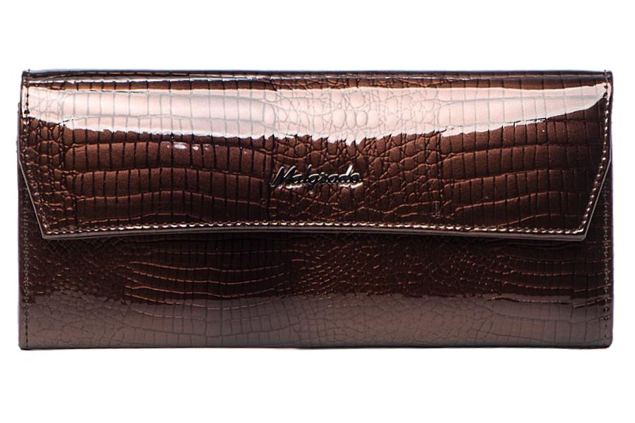 Кошелек женский Malgrado, цвет: коричневый . 75504-01411INT-06501Женский кошелек Malgrado выполнен из натуральной лаковой кожи с тиснением под рептилию. Внутри купюры лежат в развёрнутом виде в полную длину. Внутри 6 отделений, одно из которых на молнии. На двух из жестких перегородок 6 кармашков и 3 кармашка для карточек. На передней внешней стороне 1 продольный кармашек. Кошелек закрывается клапаном на кнопку. На задней стороне кошелька есть кармашек.