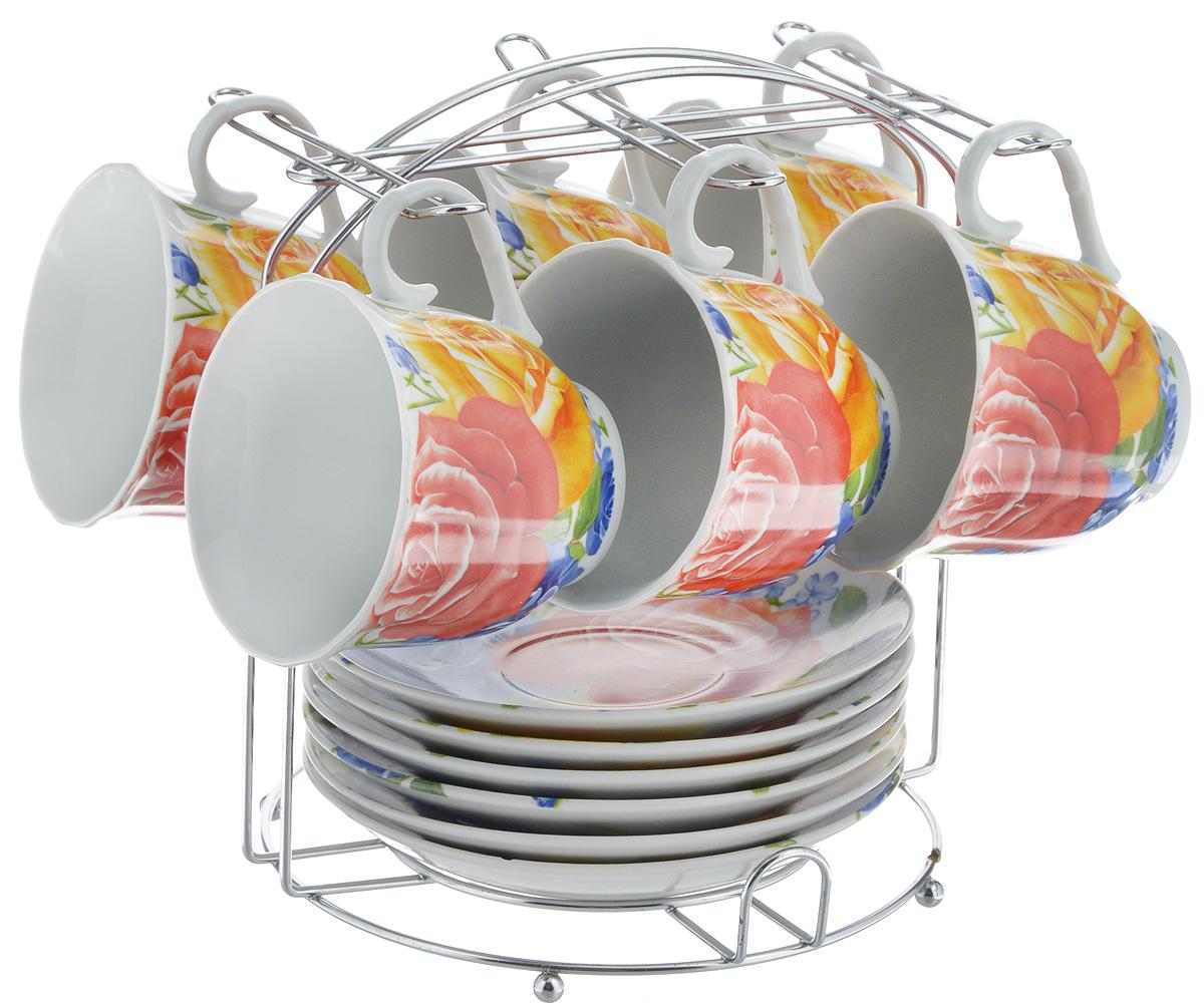 Набор чайный Bella, 13 предметов. DL-F6MS-175VT-1520(SR)Набор Bella состоит из 6 чашек и 6 блюдец, изготовленных из высококачественного фарфора. Чашки оформлены красочным рисунком. Изделия расположены на металлической подставке. Такой набор подходит для подачи чая или кофе.Изящный дизайн придется по вкусу и ценителям классики, и тем, кто предпочитает современный стиль. Он настроит на позитивный лад и подарит хорошее настроение с самого утра. Чайный набор Bella - идеальный и необходимый подарок для вашего дома и для ваших друзей в праздники.Объем чашки: 220 мл. Диаметр чашки (по верхнему краю): 8 см. Высота чашки: 7 см. Диаметр блюдца: 14 см. Высота блюдца: 2,3 см.Размер подставки: 17 х 16,5 х 19 см.