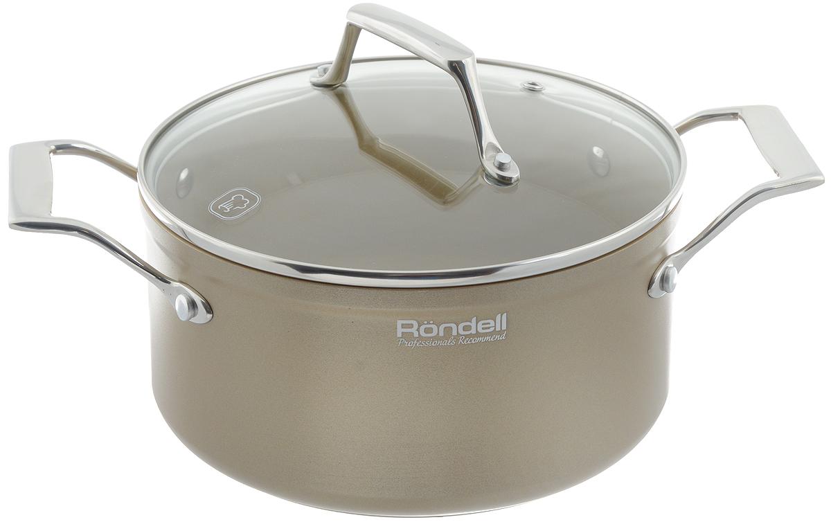 Кастрюля Rondell Champange с крышкой, с антипригарным покрытием, 3 л25079Кастрюля Rondell Champange выполнена из высококачественного кованного алюминия с утолщенным дном и стенками. Посуда прекрасно сохраняет температуру и идеально подходит для блюд, требующих длительного приготовления. Кроме того, вы будете приятно удивлены, что на такой кастрюле можно обжаривать продукты на большом огне. Внутренне антипригарное покрытие TriTitan Spectrum на основе титана абсолютно безвредно, не содержит PFOA. С таким долговечным покрытием вы сможете использовать металлические лопатки. Крышка выполнена из термостойкого стекла позволяет контролировать процесс приготовления без потери тепла. Внешнее покрытие изысканного цвета гарантирует безупречный внешний вид посуды и легкий уход за поверхностью. В комплект входит буклет с рецептами от шефа. Подходит для всех видов плит, включая индукционные. Можно мыть в посудомоечной машине. Допустило появление пятен от использования насыщенных приправ и соусов (соевый, томатный, карри). Диаметр кастрюли по верхнему краю: 20 см. Ширина кастрюли (с учетом ручек): 30,5 см. Высота стенки: 10,3 см.