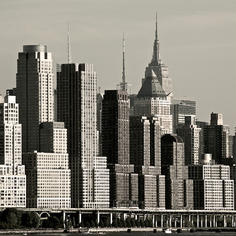Декобокс Postermarket Нью-Йорк — Вест-сайд, 30 х 30 смDC-3011Декобокс Postermarket Нью-Йорк — Вест-сайд выполнен из бумаги, рама из МДФ. Современные технологии, уникальное оборудование и цифровая печать, используемые в производстве, делают постер устойчивым к выцветанию и обеспечивают исключительное качество произведений. Благодаря наличию необходимых креплений в комплекте установка не займет много времени. Декобокс - это прекрасная возможность создать яркий акцент при оформлении любого помещения. Картина обязательно привлечет внимание и подарит немало приятных впечатлений своим обладателям. Правила ухода: можно протирать сухой, мягкой тканью.