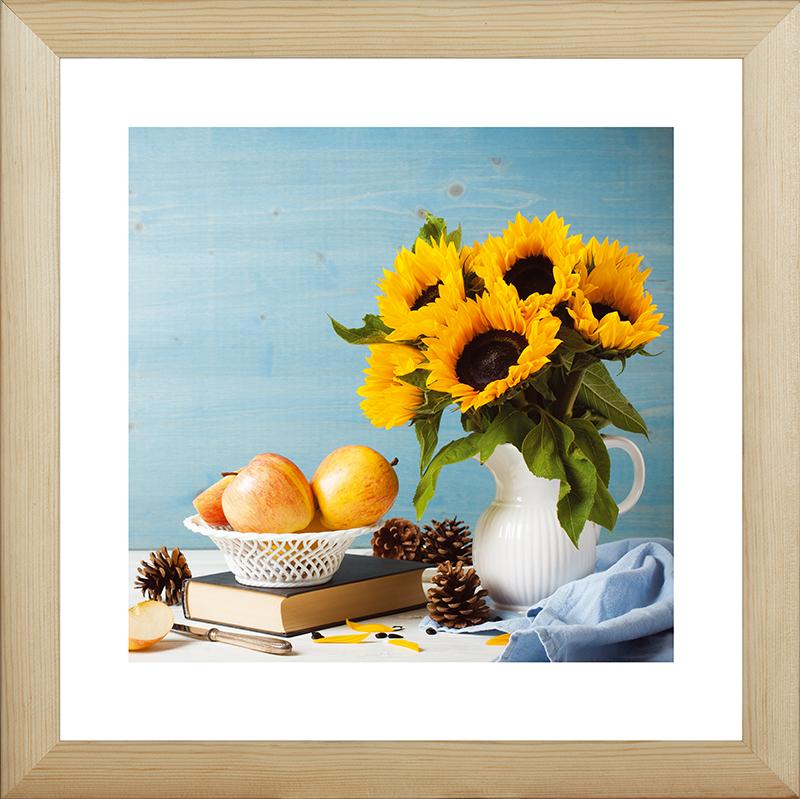 Картина Postermarket Подсолнухи и яблоки, 40 х 40 смES-412Картина Postermarket Подсолнухи и яблоки прекрасно подойдет для декора интерьера различных помещений. Постер, выполненный в технике фотопечать, обрамлен паспарту и оформлен багетом бежевого цвета. Картина для интерьера (постер) - это современное и актуальное направление в дизайне помещений. Ее можно использовать для оформления любых помещений (дом, квартира, офис, бар, кафе, ресторан или гостиница). работоспособность. Правильное оформление интерьера создает благоприятный психологический климат, улучшает настроение и мотивирует.Размер картины: 400 x 400 мм.