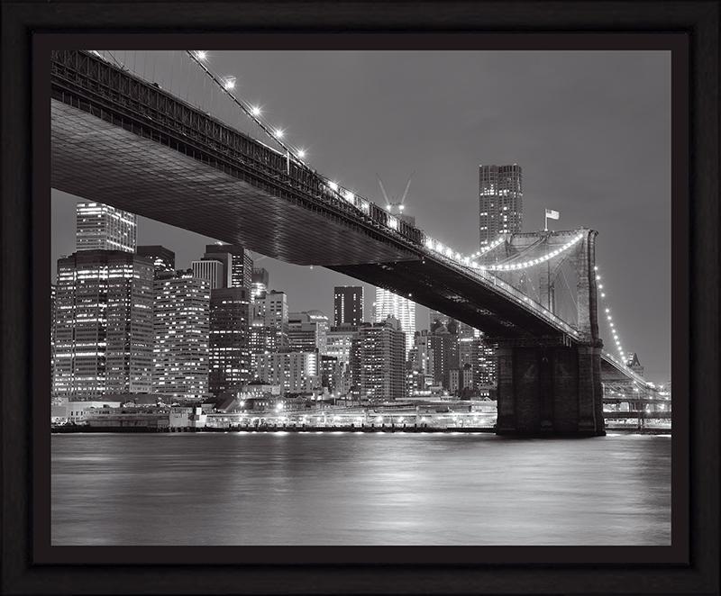 Картина Postermarket Бруклинский мост и панорама Нью-Йорка, 40 х 50 смU210DFКартина Postermarket Бруклинский мост и панорама Нью-Йорка прекрасно подойдет для декора интерьера различных помещений. Постер, выполненный в технике фотопечать, оформлен багетом черного света. Картина для интерьера (постер) - это современное и актуальное направление в дизайне помещений. Ее можно использовать для оформления любых помещений (дом, квартира, офис, бар, кафе, ресторан или гостиница). работоспособность. Правильное оформление интерьера создает благоприятный психологический климат, улучшает настроение и мотивирует.Размер картины: 400 x 500 мм.