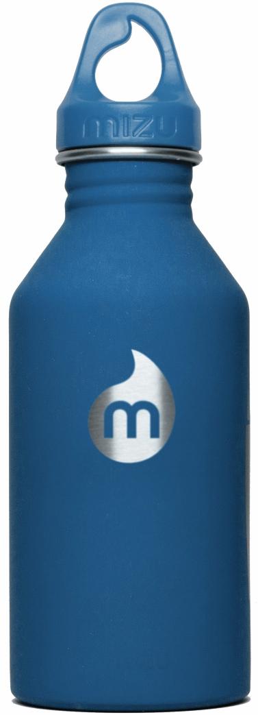 Бутылка для воды Mizu M6, цвет: голубой, 600 мл67743Бутылка Mizu M6 из пищевой нержавеющей стали подойдет для тех, кто заботится об окружающей среде и своем здоровье. Ее удобно брать с собой, пригодится в поездке, походе или на рыбалке.Объем: 600 мл. Обхват: 24 см. Диаметр: 7 см. Высота (с крышкой): 21,5 см.