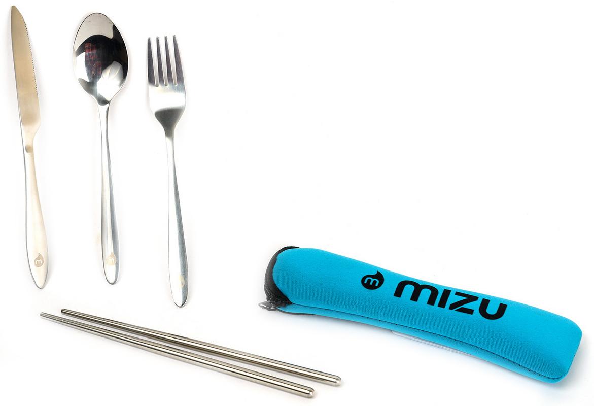 Комплект Mizu: ложка, вилка, нож, цвет: стальной95159-910-00Столовые приборы из нержавеющей стали сорта 18/1, для особых ценителей восточной культуры в комплекте есть палочки. Фирменный чехол на молнии в комплекте.