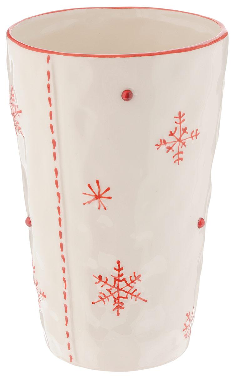 Ваза House & Holder, цвет: белый, красный, высота 18,5 смDSG023Элегантная ваза House & Holder, изготовленная из керамики, украшена снежинками и стразами. Такое оформление делает ее изящным украшением интерьера.Ваза House & Holder дополнит интерьер офиса или дома и станет желанным и стильным подарком.Размер вазы: 18,5 х 12 х 12 см. Объем: 1 л.