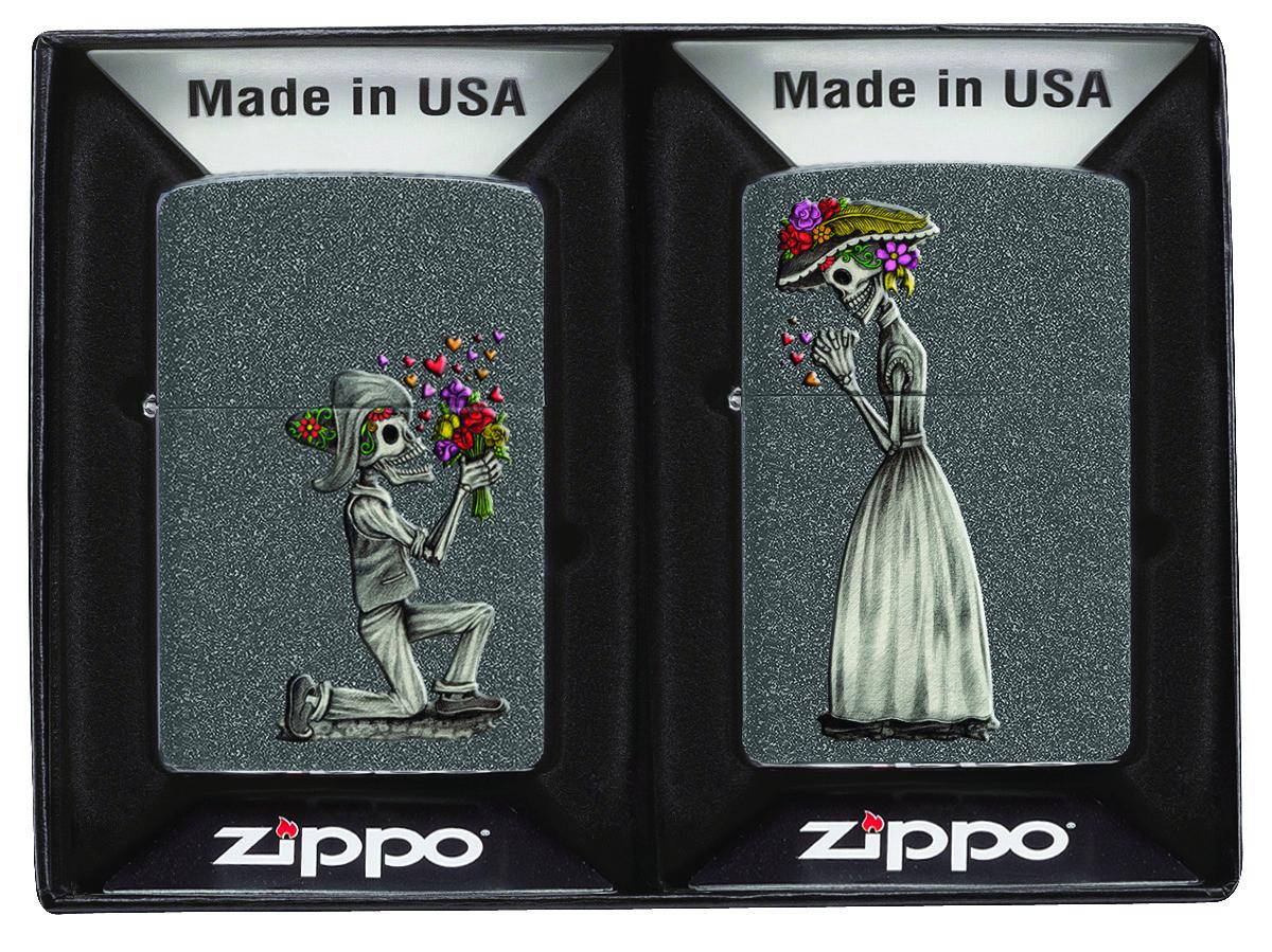 Набор зажигалок Zippo, 2 шт 28987 Влюбленные зомби Iron Stone - Зажигалки, грелки и аксессуары
