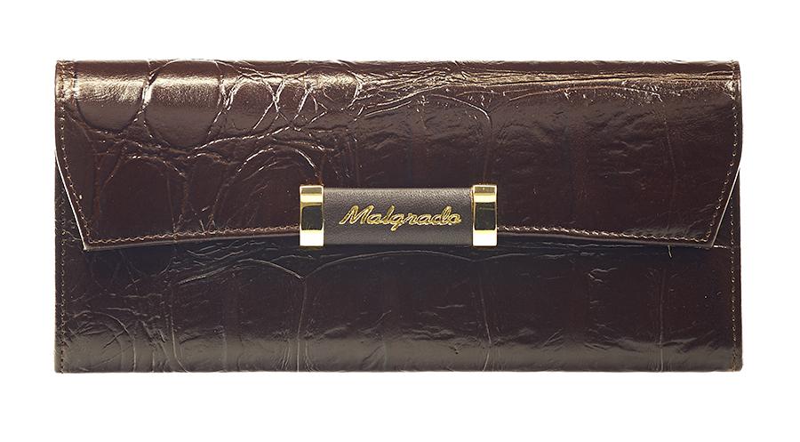 Кошелек женский Malgrado, цвет: коричневый. 75504-29104BM8434-58AEЖенский кошелек Malgrado выполнен из натуральной кожи высшего качества с декоративным тиснением под рептилию. Внутри кошелек содержит четыре отделений для купюр, отделение для мелочи на молнии, один карман для бумаг и чеков, девять кармашков для кредитных карт или визиток. Закрывается кошелек широким клапаном на кнопку. На задней стенке с лицевой стороны расположен дополнительный карман.Кошелек упакован в фирменную металлическую коробку. Характеристики: Материал: натуральная кожа, текстиль, металл.Цвет: коричневый.Размер кошелька: 19,5 см х 9 см х 3 см.Размер упаковки: 23 см х 13 см х 4,5 см.Артикул: 75504-29104.