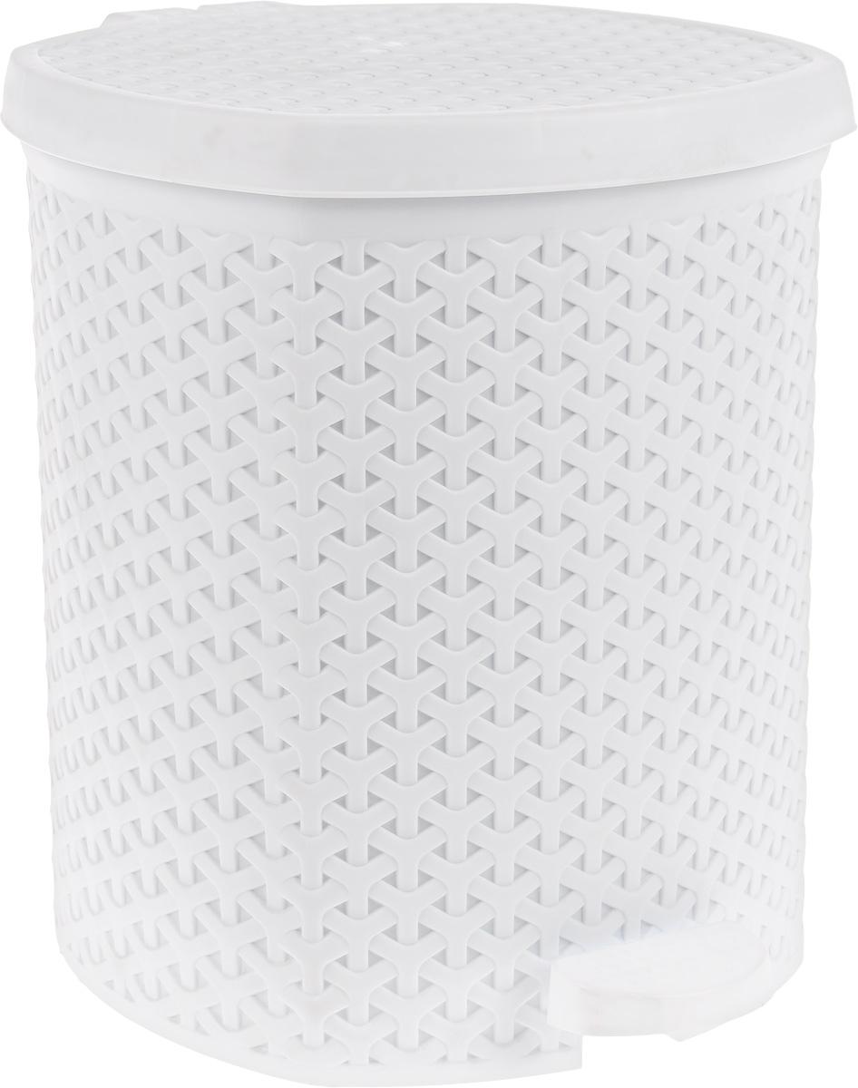Контейнер для мусора Magnolia Home, с педалью, цвет: белый, 12 л3901Мусорный контейнер Magnolia Home очень удобен в использовании как дома, так и в офисе. Изделие, выполненное из прочного пластика, не боится ударов. Контейнер оснащен педалью, с помощью которой можно открытькрышку. Закрывается крышка практически бесшумно, плотно прилегает, предотвращаяраспространение запаха. Внутри пластиковая емкость для мусора, которую при необходимости можно достать из контейнера. Интересный дизайн разнообразит интерьер кухни и сделает его более оригинальным.