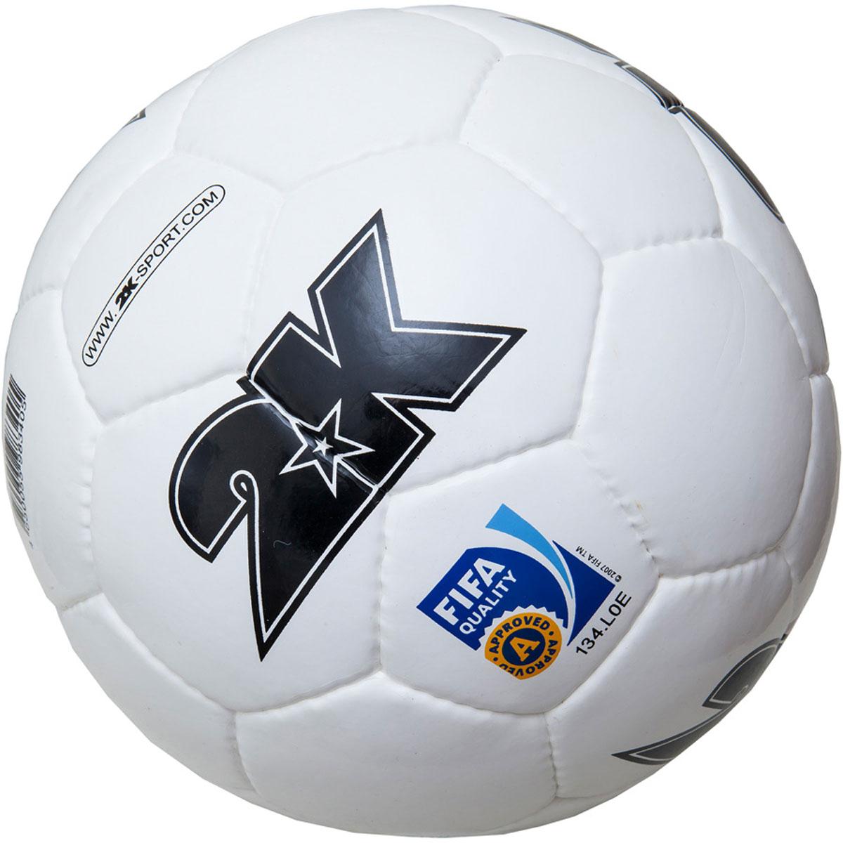 Мяч футбольный 2K Sport Elite, цвет: белый, черный. Размер 5127053Профессиональный футбольный мяч 2K Sport Elite одобрен FIFA для проведения соревнований высшей категории. Мяч состоит из 32 панелей ручной сшивки. Швы проклеены для герметизации. Мяч выполнен из переливающегося ламинированного полиуретана. Имеется три подкладочных слоя из эксклюзивной ткани - смеси хлопка с полиэстером. Идеально сбалансированная бесшовная камера изготовлена из натурального латекса.Сертификат FIFA Approved.