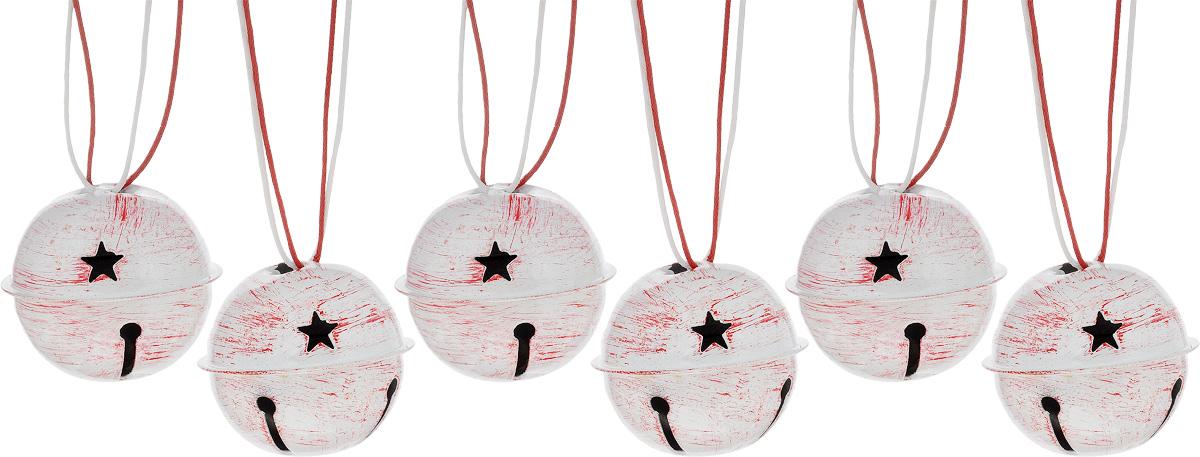 Набор новогодних подвесных украшений House & Holder Бубенчики, цвет: красно-белый, диаметр 4 см, 6 шт38593Набор подвесных украшений House & Holder Бубенчики прекрасно подойдет для праздничного декора новогодней ели. Набор состоит из 6 металлических украшений с перфорацией. Для удобного размещения на елке для каждого украшения предусмотрено петелька. Елочная игрушка - символ Нового года. Она несет в себе волшебство и красоту праздника. Создайте в своем доме атмосферу веселья и радости, украшая новогоднюю елку нарядными игрушками, которые будут из года в год накапливать теплоту воспоминаний. Откройте для себя удивительный мир сказок и грез. Почувствуйте волшебные минуты ожидания праздника, создайте новогоднее настроение вашим дорогим и близким.Диаметр: 4 см.