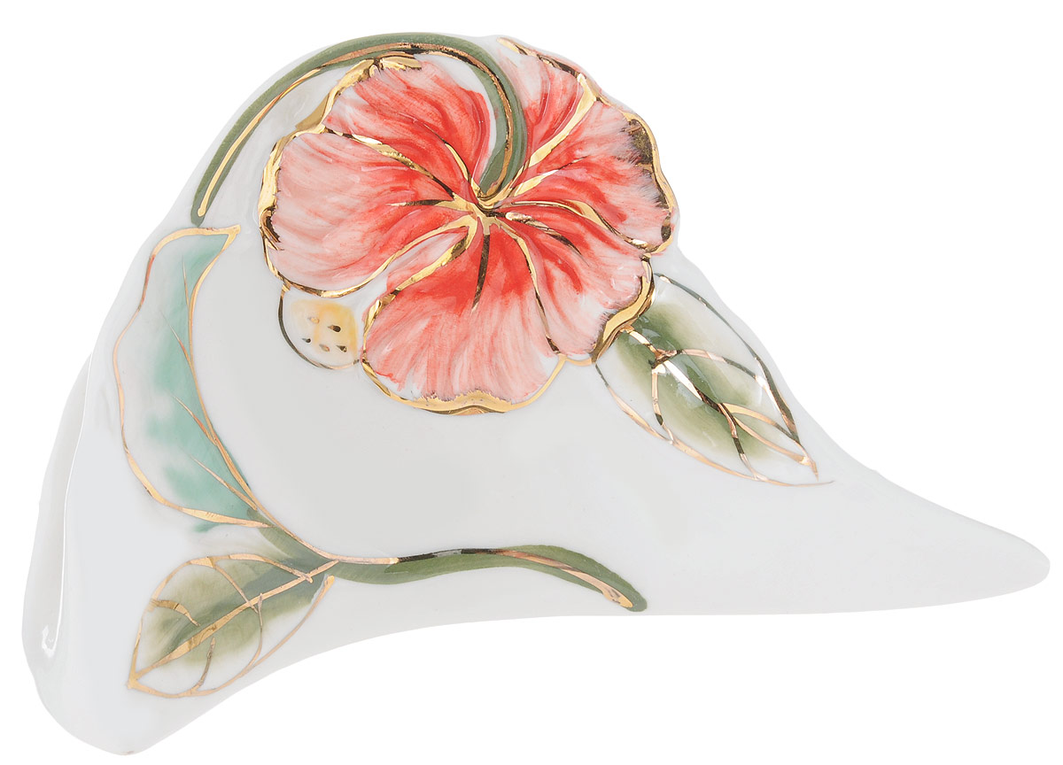 Салфетница Розовый цветок, 15,5 х 5 х 9 см115510Салфетница Розовый цветок изготовлена из высококачественного фарфора и оформлена оригинальным рисунком. Она сочетает в себе изысканный дизайн с максимальной функциональностью. Компактная и в то же время вместительная салфетница станет не только украшением любого стола, но и отличным подарком.