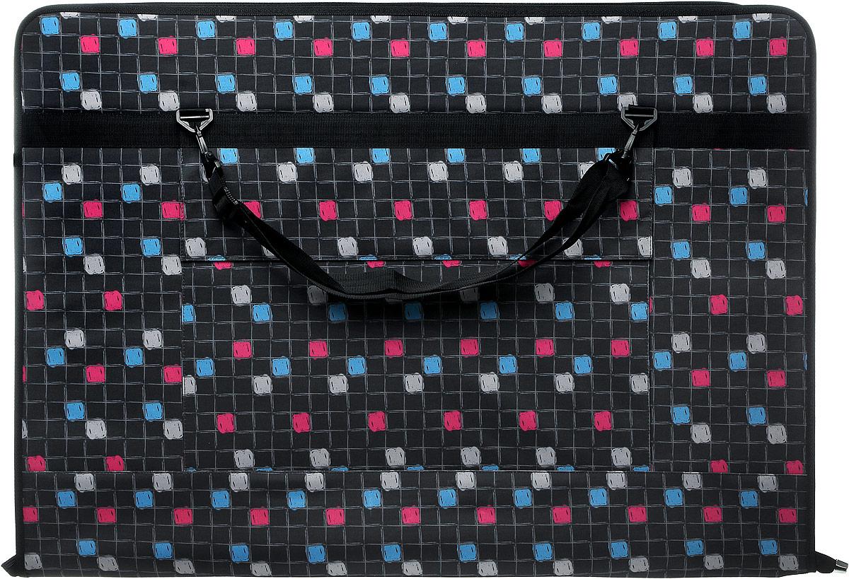 Папка художника Аntan, цвет: черный, серый, голубой, розовый. 6-102816572Папка художника Аntan выполнена из высококачественного полиэстера и оформлена оригинальным принтом. На лицевой стороне расположен вместительный накладной карман, закрывающийся клапаном на застежку-липучку. Папка оснащена удобными ручками и съемным плечевым ремнем, длина которого регулируется с помощью пряжки. Внутри расположено главное отделение, которое содержит четыре эластичные резинки на липучках. Изделие закрывается на застежку-молнию.