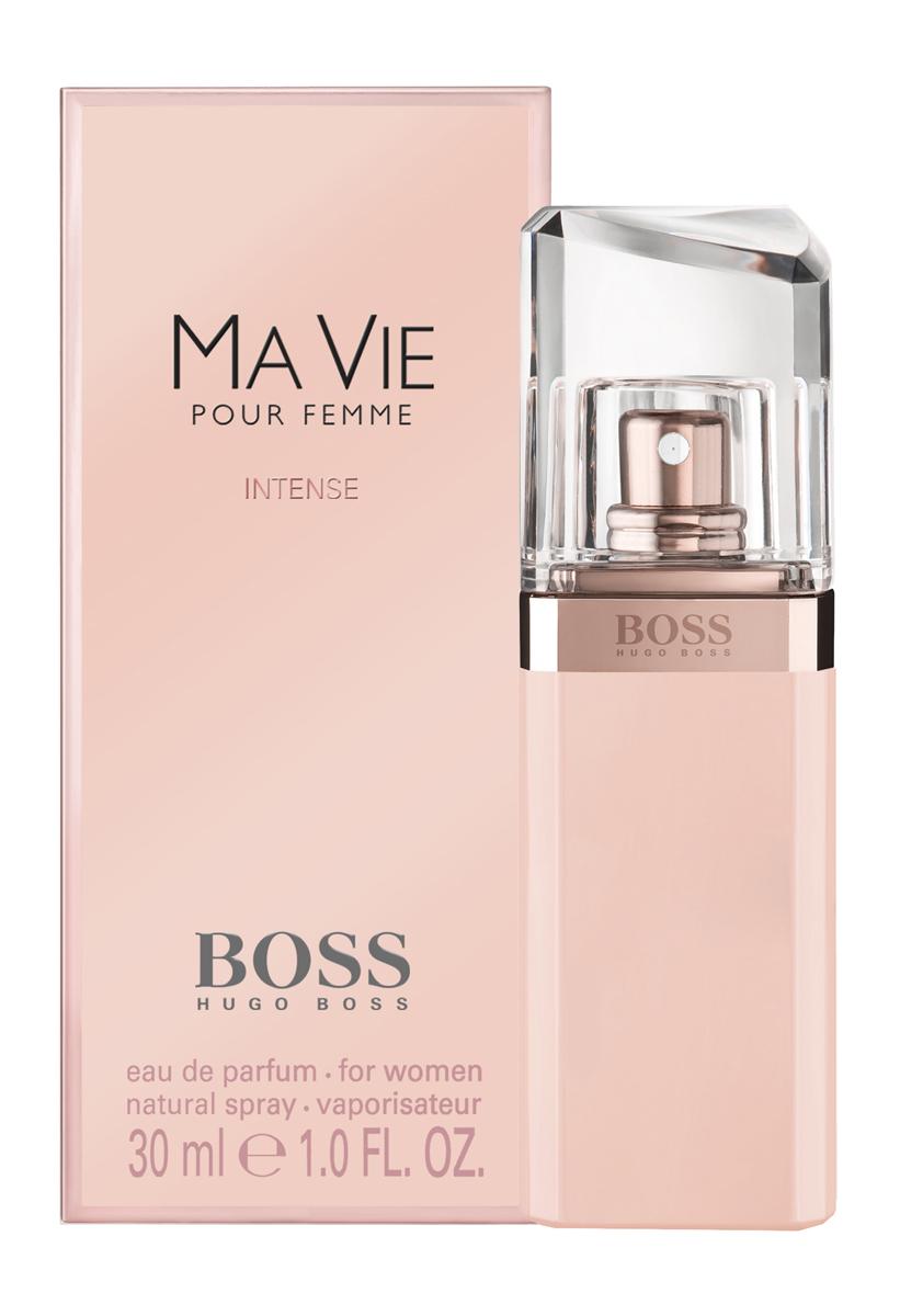 Hugo Boss Ma Vie Intense Парфюмерная вода женская 30 мл5010777139655Изысканный цветочный аромат является продолжением оригинального Boss Ma Vie, изданного в 2014, но более насыщенной, яркой, соблазнительной версией. Главная роль в сексуальном и притягательном букете отведена экзотическому благоуханию кактусового цвета. Его неожиданные, пикантные, сексуальные и свежие аккорды великолепно сочетаются с чувственной нежностью розового бутона и глубокой, интенсивной кедровой базой, создавая виртуозный баланс женственности и силы, независимости и хрупкости, простоты и роскоши. Элегантный и утонченный Boss Intense Ma Vie– прекрасный выбор для солнечного лета или теплой весны.Верхняя нота: Цветок кактуса.Средняя нота: Бутон розы.Шлейф: Кедр.Роза - королева цветов, для благородства и женственности.Дневной и вечерний аромат.