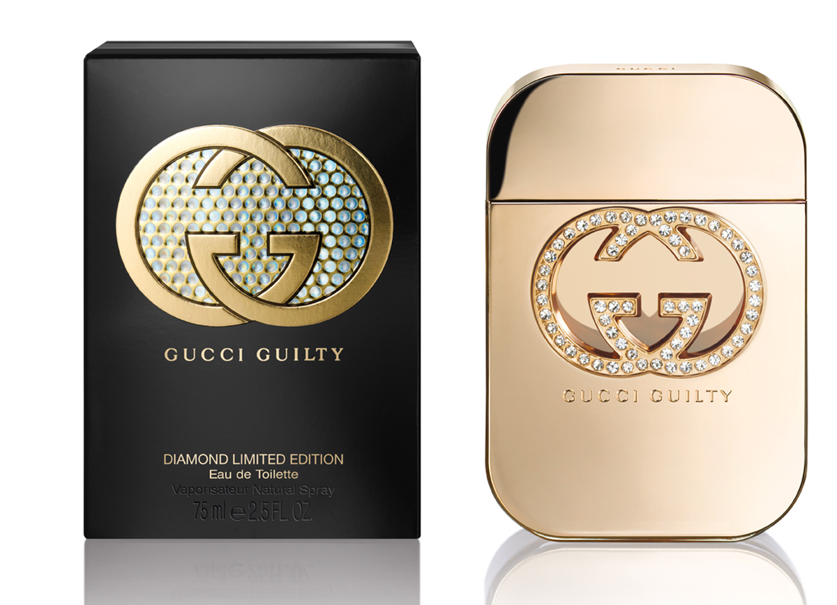 Gucci Guilty Diamond Туалетная вода женская 75 млперфорационные unisexGucci Guilty Diamond - соблазнительный и чувственный восточно-цветочный женский парфюм, представленный известным итальянским модным Gucci. Ароматическая композиция представляет собой фланкер аромата Gucci Guilty 2010 года с более ярким, праздничным звучанием и выпущена в ограниченном количестве в конце 2014 года в преддверии зимних праздников. Верхний аккорд звучит нежной, игривой пряностью розового перца. Сердце композиции распускается волшебным букетом ароматических нот сирени в обрамлении горьковато–пряных оттенков кардамона. Завершает композицию теплая пряная волна пачули с вплетенными в нее хрустальными нотами амбры. Парфюм выпускается в оригинальном золотистом флаконе, украшенном логотипом бренда с вкраплением в него кристаллов Сваровски, символизирующих бриллианты, гламур и роскошь.
