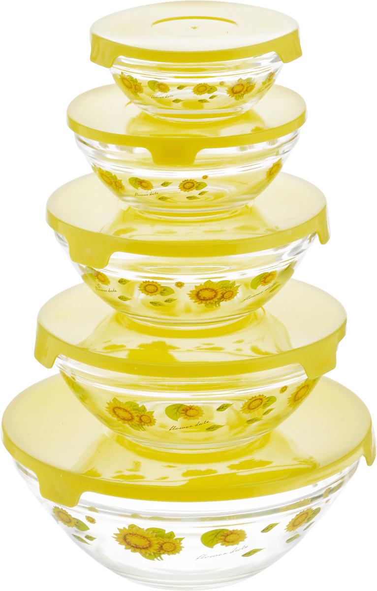 Набор мисок Bohmann с крышками, цвет: желтый, 10 предметов115510Набор Bohmann состоит из пяти мисок разного размера, выполненных из прозрачного стекла и оформленных изображением фруктов. Миски снабжены пластиковыми плотно прилегающими крышками. Они являются универсальным приобретением для любой кухни. С их помощью можно готовить блюда, хранить продукты и даже сервировать стол. Оригинальный дизайн, высокое качество и функциональность набора Bohmann позволят ему стать достойным дополнением к вашему кухонному инвентарю. Миски можно ставить в холодильник, использовать в микроволновой печи и мыть в посудомоечной машине.Диаметр мисок (по верхнему краю): 17 см, 14 см, 12,5 см, 10 см, 9 см. Высота стенок мисок (без учета крышек): 7 см, 6 см, 5,5 см, 4,5 см, 4 см.Объем мисок: 1050 мл, 540 мл, 410 мл, 240 мл, 130 мл.