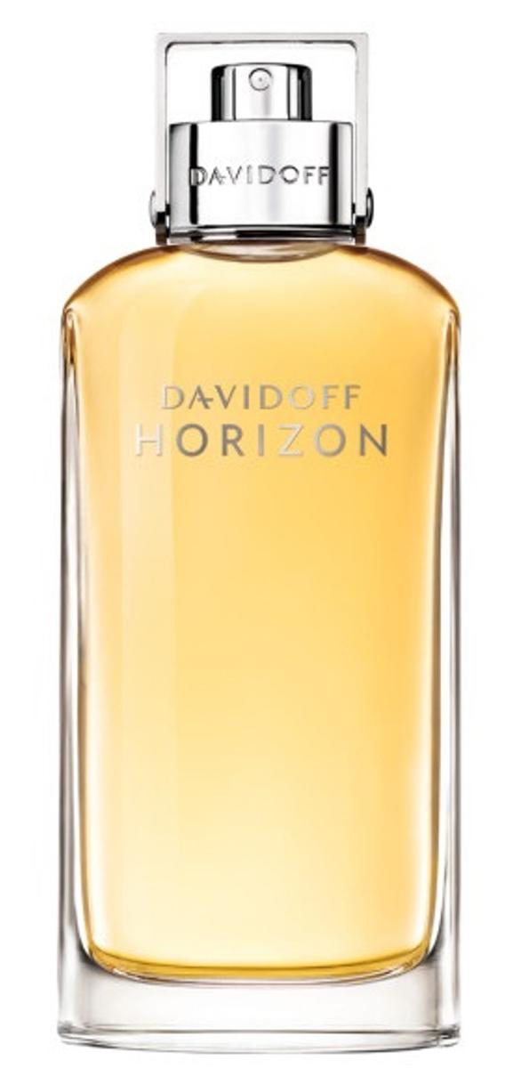 Davidoff Horizon Туалетная вода мужская 75 мл2218Воспевая свободу аромат Davidoff Horizon создан для мужчин, готовых покорять новые горизонты. Жизнерадостный грейпфрукт, терпкий розмарин и острый имбирь смешиваются с древесной амброй и воплощают в себе эталон мужественности, создавая гармоничное дополнение для героя-завоевателя.Верхняя нота: Грейпфрут, Розмарин, Мандарин и Имбирь.Средняя нота: Пачули, Белый кедр, Мускатный орех, Перец и Кунжут.Шлейф: Ветивер и Какао.Фруктовые ноты и острый розмарин придают пикантность Horizon от Davidoff.Дневной и вечерний аромат.