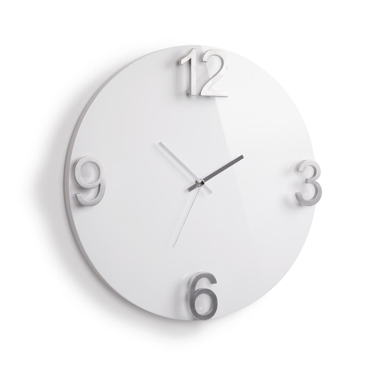 Часы настенные Umbra Elapse, цвет: белый94672Оригинальные настенные часы, выполненные в минималистском стиле. Основа из массива дерева с глянцевым покрытием и металлическими цифрами выглядит дорого и изысканно. Механизм работает при помощи 1 батарейки АА (батарейка в комплект не входит).Дизайн: Alan Wisniewski
