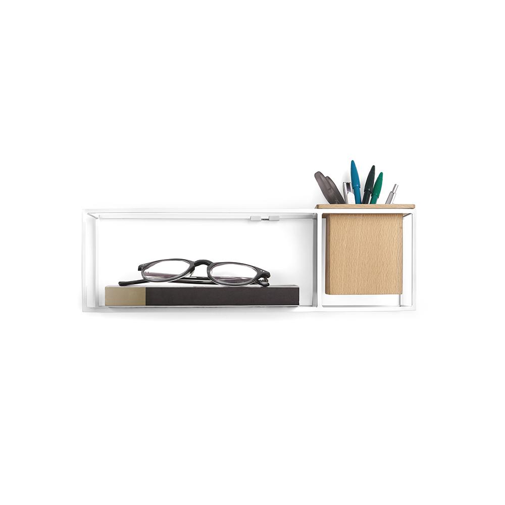 Полка-органайзер Umbra Cubist, 11,6 х 12 х 38,1 смCM000001326Легкий каркас этой полки создает эффект невесомости, благодаря которому вещи будто парят в воздухе. Деревянный кубический контейнер может служить в качестве органайзера для мелочей или кашпо для цветов. Полку можно повесить на стену или поставить на стол.