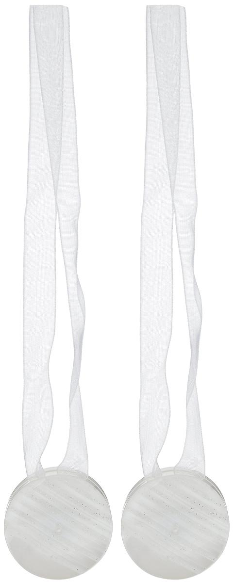 Подхват для штор TexRepublic Ajur. Lenta, на магнитах, цвет: белый, диаметр 4 см, 2 шт. 790081004900000360Изящный подхват для штор TexRepublic Ajur. Lenta, выполненный из пластика и текстиля, можно использовать как держатель для штор или для формирования декоративных складок на ткани. С его помощью можно зафиксировать шторы или скрепить их, придать им требуемое положение, сделать симметричные складки. Благодаря магнитам подхват легко надевается и снимается.Подхват для штор является универсальным изделием, которое превосходно подойдет для любых видов штор. Подхваты придадут шторам восхитительный, стильный внешний вид и добавят уют в интерьер помещения.Длина подхвата: 36 см.Диаметр: 4 см.Количество: 2 шт.