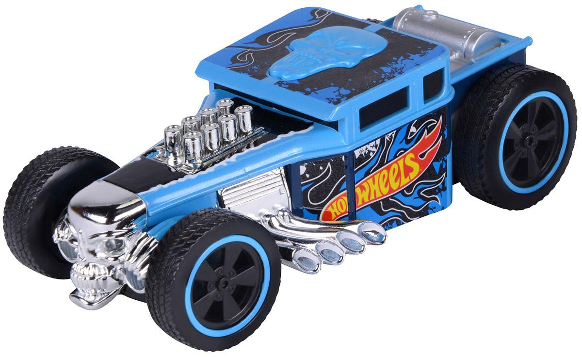 """Машинка на инфракрасном управлении Hot Wheels """"Bone Shaker"""" - отличный выбор оригинального и приятного подарка как для поклонников машинок легендарного бренда """"Hot Wheels"""", так и для всех, кто любит яркие игрушечные автомобили с необычным функционалом. Машинка управляется с помощью инфракрасного пульта дистанционного управления. Возможные движения: вперед, назад, влево, вправо. При движении у машинки загораются фары. Резиновые шины обеспечивают хорошее сцепление с любой поверхностью пола. Машинка упакована в стильную капсулу, предназначенную для последующего хранения игрушки. Сбоку капсулы расположена кнопка, которая включает подсветку машинки, когда она находится в капсуле. Машинка на инфракрасном управлении Hot Wheels """"Bone Shaker"""" - это не только увлекательная игрушка, но также отличный экспонат в коллекцию фантастических машинок Hot Wheels. Для работы игрушки необходимы 2 батарейки типа ААА напряжением 1,5V (не входят в комплект). Для работы пульта..."""