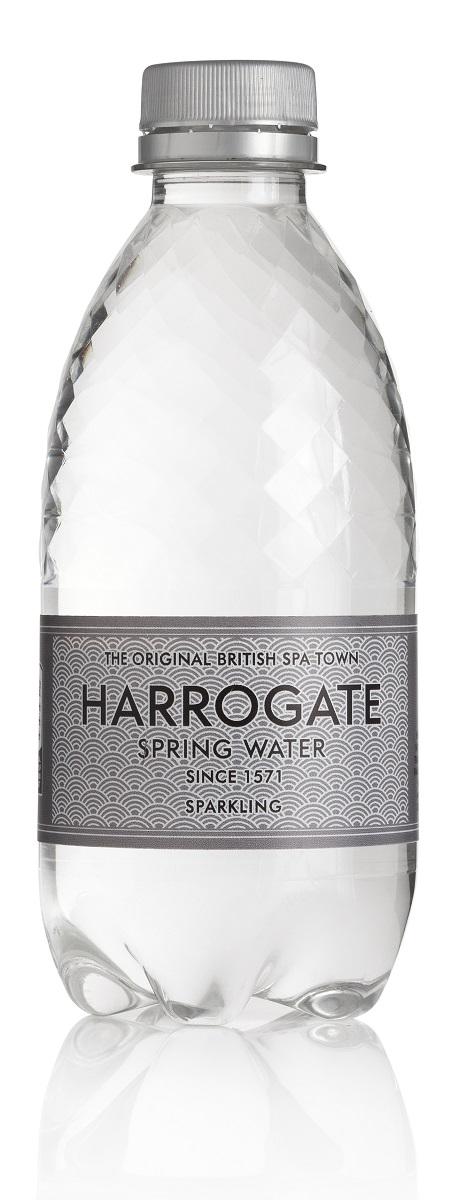 Harrogate вода минеральная газированная, 330 мл5060042350124Город Харрогейт, находящийся на юго- востоке графства Йоркшир, всегда был известен своими природными минеральными источниками. Первые упоминания о королевском источнике воды Harrogate встречаются уже в XIV веке. Дегустация и тестирование образцов воды были впервые проведены в конце XVI века Тимоти Брайтом, личным врачом королевы Великобритании Елизаветы.