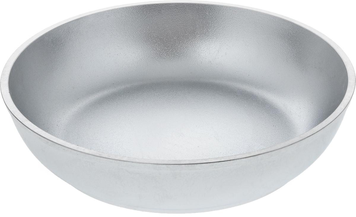 Сковорода Kukmara, без ручки. Диаметр 24 см43412Сковорода Kukmara изготовлена из литого алюминия. Она идеально подходит для жарки мяса, запекания, тушения овощей, еда в такой посуде не пригорает, а томится как в русской печи. Толстостенная сковорода обеспечивает быстрое и равномерное распределение тепла по всей поверхности. Сковорода экологически безопасная и не подвергается деформации. Такая сковорода понравится как любителю, так и профессионалу. Сковорода подходит для газовых и электрических плит, но кроме индукционных. Диаметр сковороды по верхнему краю: 24 см. Высота стенки: 5,6 см.