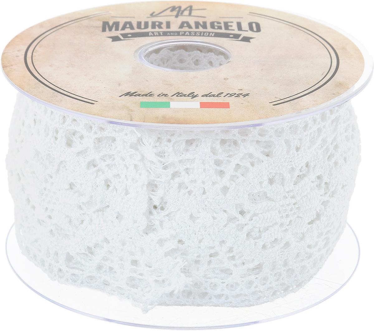 Лента кружевная Mauri Angelo, цвет: белый, 6,1 см х 10 мNLED-454-9W-BKДекоративная кружевная лента Mauri Angelo - текстильное изделие без тканой основы, в котором ажурный орнамент и изображения образуются в результате переплетения нитей. Кружево применяется для отделки одежды, белья в виде окаймления или вставок, а также в оформлении интерьера, декоративных панно, скатертей, тюлей, покрывал. Главные особенности кружева - воздушность, тонкость, эластичность, узорность.Декоративная кружевная лента Mauri Angelo станет незаменимым элементом в создании рукотворного шедевра. Ширина: 6,1 см.Длина: 10 м.